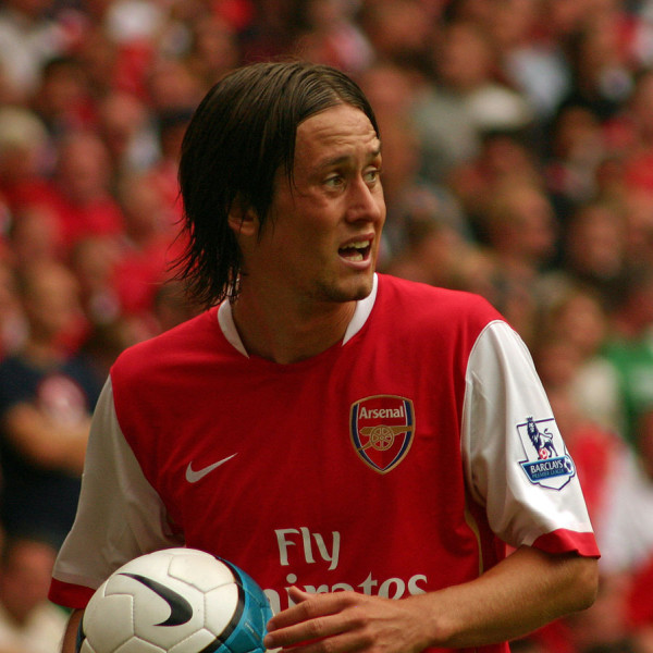Tomas Rosicky to remain at Arsenal, says Arsene Wenger