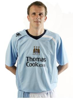new-manchester-city-home-shirt1.jpg