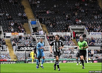 newcastle-spurs-carling-cup.jpg