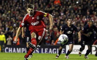 steven gerrard2 Liverpool Rescue Draw Against Atletico Madrid After Phantom Penalty
