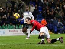 bolton v manchester united dimitar berbatov p 1794736 A Weekend of Drama in the English Premier League