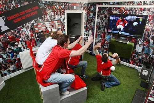 carling cup in home Man United Fan Creates Wembley Experience In His Home