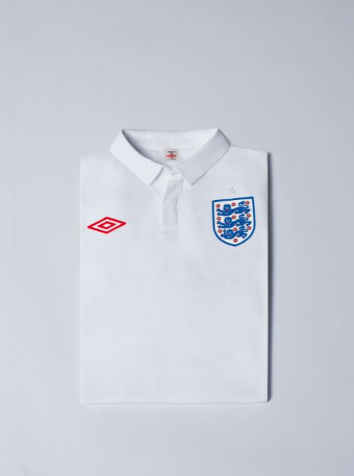 england home shirt folded Pictures Of England Home Shirt Revealed