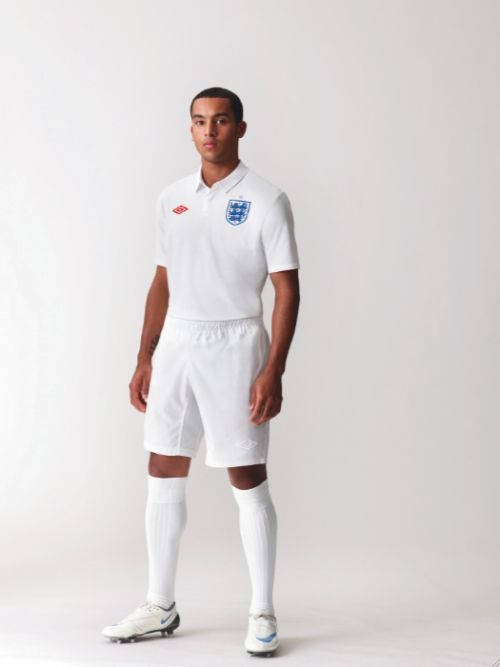theo walcott england home shirt new Pictures Of England Home Shirt Revealed