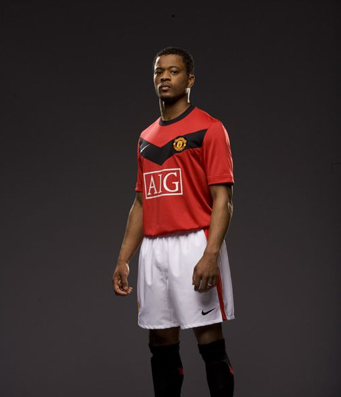 new-man-united-kit-patrice-evra