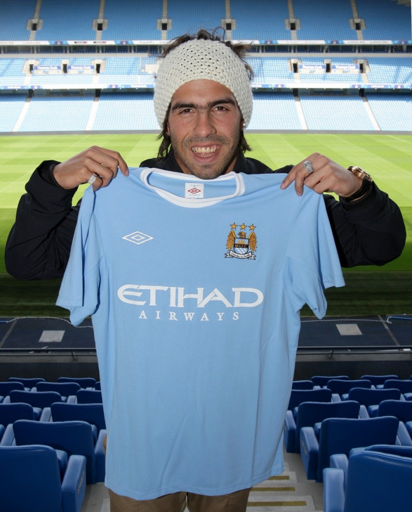 carlos tevez manchester city 825x1024 Manchester City Home Jersey For 09/10 Season Revealed