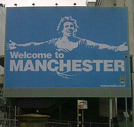 carlos tevez poster Manchester City Fans Poke Fun At United Supporters