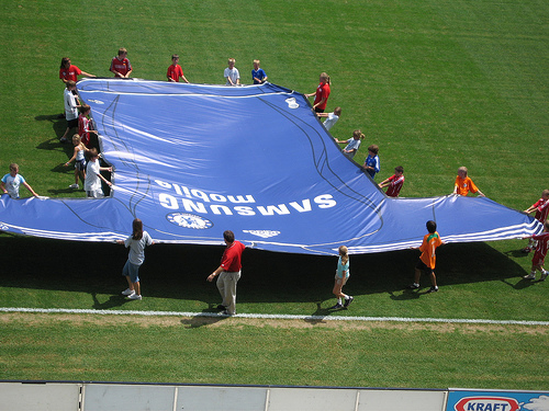 giant chelsea shirt Roll Out The Red Carpet: Chelsea Are Heading Stateside
