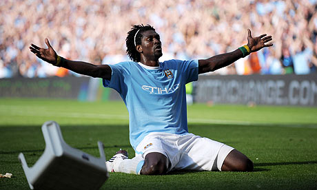 Emmanuel Adebayor celebra 002 Emmanuel Adebayor Will Lead Tottenham Back to Champions League Football