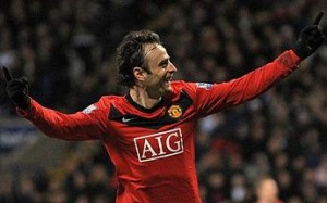 dimitar berbatov2 1607759c 300x187 Wayne Rooney's Injury Makes it Chelsea's Title to Lose