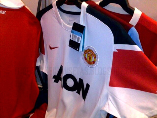man united away shirt Manchester United Away Shirt for 2010 11 Season: Photo