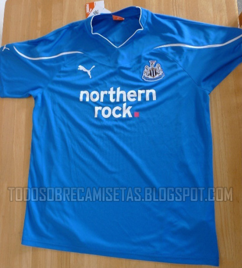 newcastle away shirt Newcastle United Away Shirt for 2010 11 Season: Photo