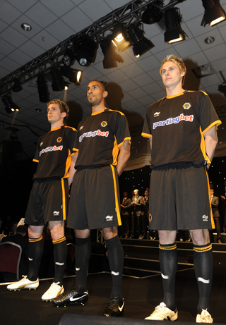 wolves away shirt Wolverhampton Wanderers: Home and Away Kits for 2010 11 Season
