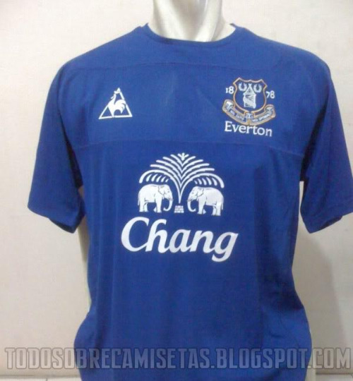 everton home jersey 2010 2011 Everton Home Jersey for 2010 11 Season: New Photo Leaked
