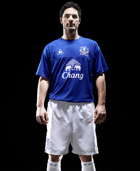 everton home kit mikel arteta Everton Launches New Home Football Kit for 2010 11 Season