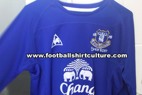 everton home shirt 2010 2011 Everton Home Jersey for 2010 11 Season Revealed: Photo