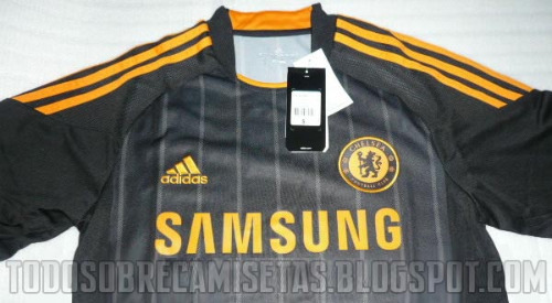 chelsea home closeup Chelsea Away Jersey for 2010 11 Season: Leaked Photos
