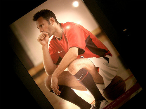 ryan giggs Why the Best Thing for Ryan Giggs is to Continue Playing