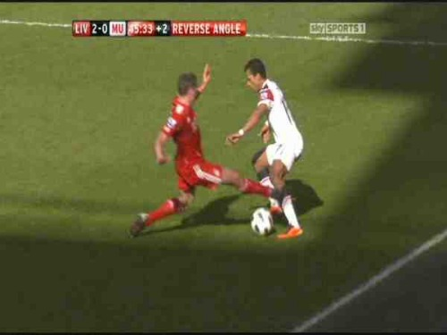 carragher foul Nanis Horrific Injury From Jamie Carraghers Tackle [PHOTO]
