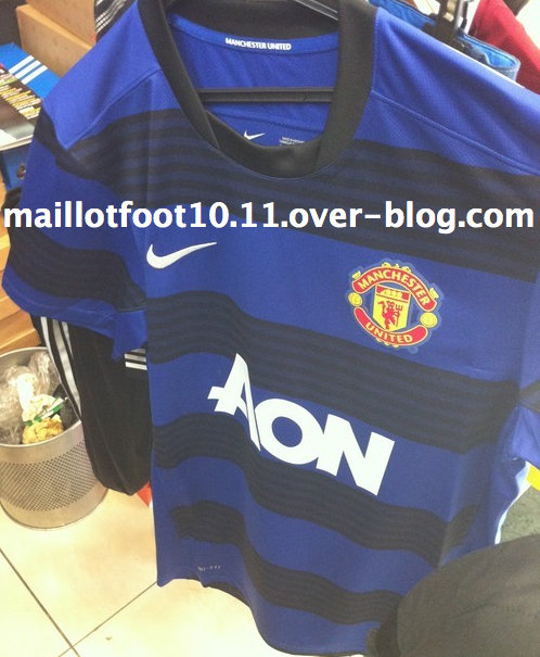 man united away shirt Is this Man Uniteds Away Shirt for 2011 12 Season? Photo