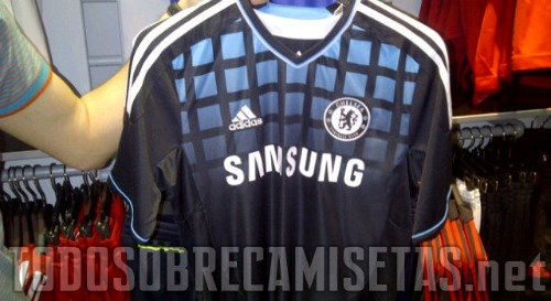 Chelsea away shirt1 Chelsea Away Shirt for 2011 12 Season: Leaked Photo
