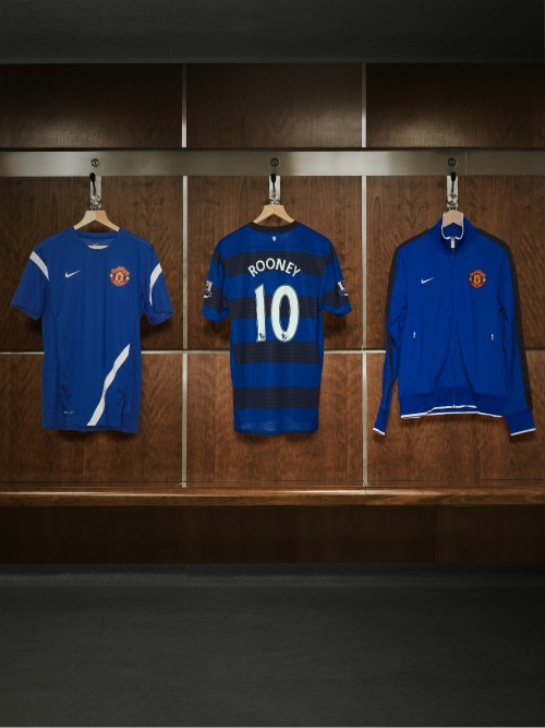 man united away shirt changing room11 Manchester United Away Shirt for 2011 12 Season: Official Photos Unveiled