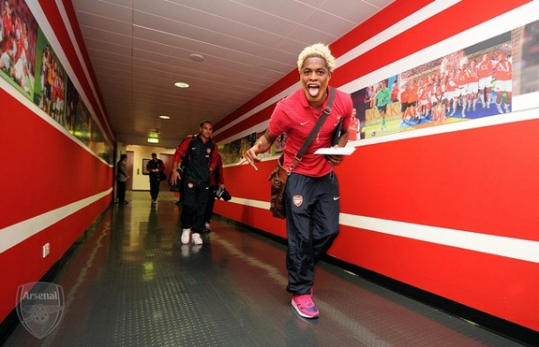 alex song 600x386 Barcelona Close to Clinching £15m Move for Arsenals Alex Song: The Nightly EPL