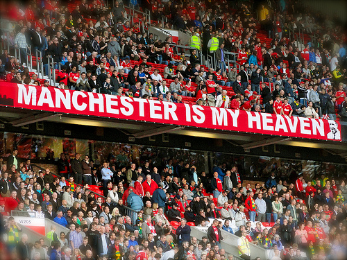 man united fans1 Helpful Advice For New Soccer Fans Searching For an EPL Team to Support