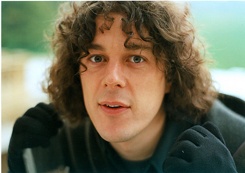 alan davies Why I Agree With Alan Davies that Liverpool Should Play on April 15