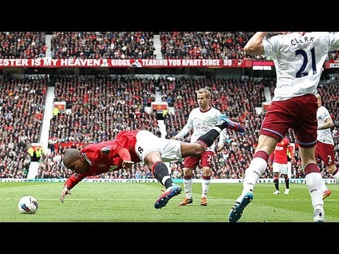 ashley young diver2 Why I Don't Blame Ashley Young For Diving