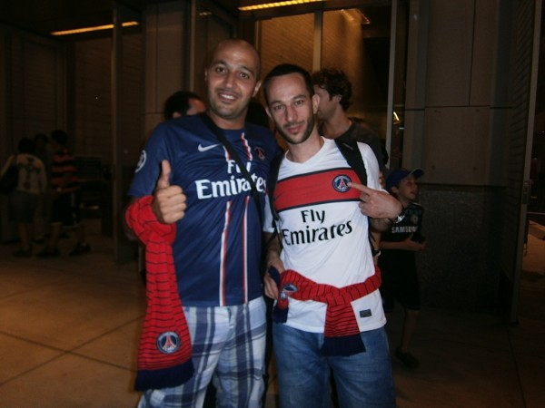 2 psg fans 600x450 Chelsea vs Paris Saint Germain From Yankee Stadium, In Pictures [PHOTO]
