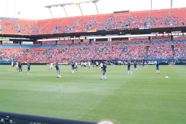 chelsea warming up 600x401 Chelsea vs AC Milan Friendly In Miami, In Pictures [PHOTO]