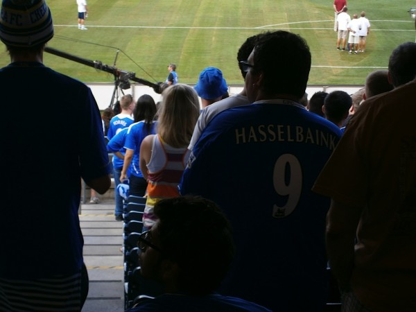 hasselbaink jersey 600x450 Chelsea vs Paris Saint Germain From Yankee Stadium, In Pictures [PHOTO]