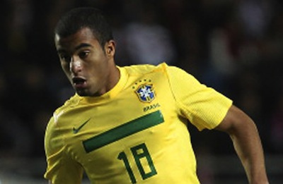 lucas moura Lucas Moura Transfer to Paris Saint Germain Underscores How Soccer Spending Is Unsustainable