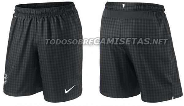 man united away shorts 600x346 Manchester United Away Shirt for 2012 13 Season; New Leaked Images [PHOTO]
