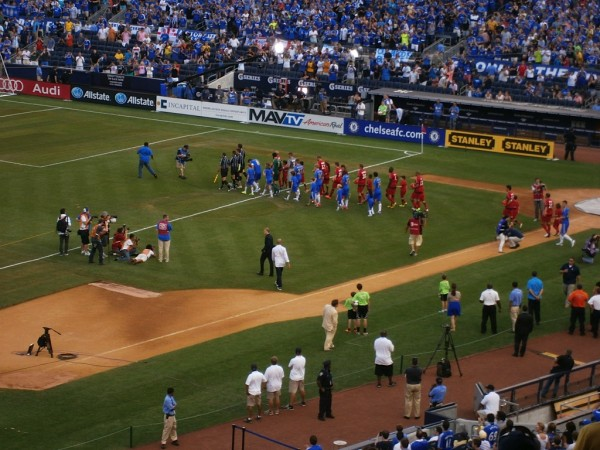 teams come out 600x450 Chelsea vs Paris Saint Germain From Yankee Stadium, In Pictures [PHOTO]