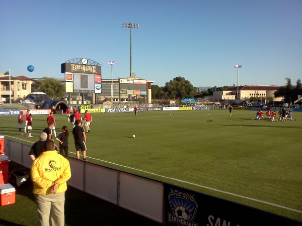 swansea warming up 600x450 San Jose Earthquakes 2 2 Swansea City: In Pictures [PHOTO]