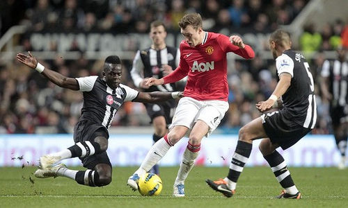 phil jones Manchester United Defender Phil Jones Out for Up to 8 Weeks: The Daily EPL