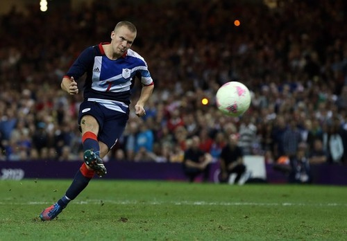 tom cleverley Roy Hodgson Believes Tom Cleverley Can Play Fábregas Role for England: The Daily EPL