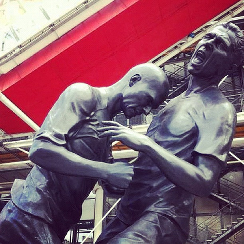zidane statue 6 Statues Celebrate Most Infamous Moments in English Football [PHOTOS]