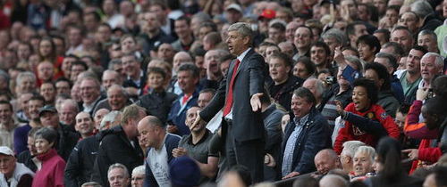 arsene wenger old trafford Arsène Wenger Loses His Usual Cool as Fires of Unrest Rage at Arsenal: The Nightly EPL