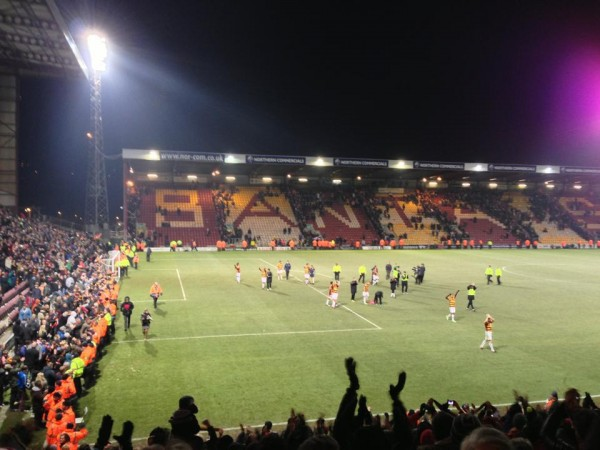 bradford fans ovation 600x450 What the Matchday Experience Was Like At Bradford against Arsenal