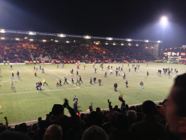 pitch invasion 600x450 What the Matchday Experience Was Like At Bradford against Arsenal