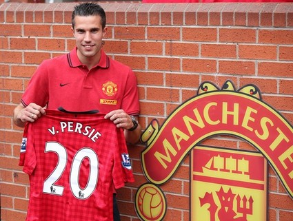 Soccer - Manchester United Press Conference - Robin Van Persie Unveiling - Old Trafford