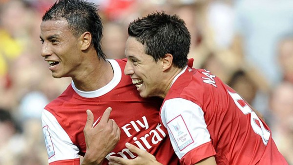 chamakh nasri 600x339 Chamakh Acted as Samir Nasri's Bodyguard as Arsenal Fans Pelted Them With Abuse: The Daily EPL