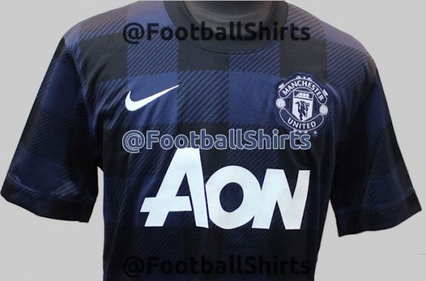 man united away shirt front 600x396 New Photos Leaked of Manchester Uniteds Away Shirt for 2013 14 Season [PHOTOS]