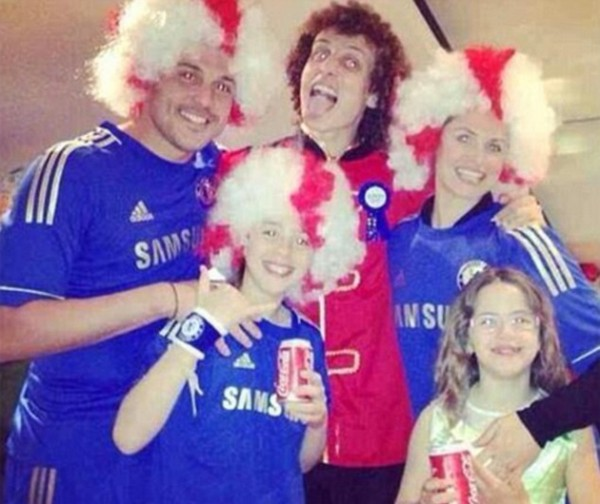 luiz cesar party 600x504 Chelsea Players Adorn Costumes for Fancy Dress Party, But Theres No Spanish Waiter [PHOTOS]