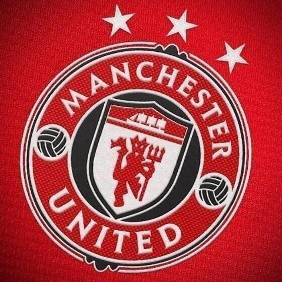 manchester united new club crest Fake: Manchester United Are Not Planning On Unveiling a New Club Crest [PHOTO]