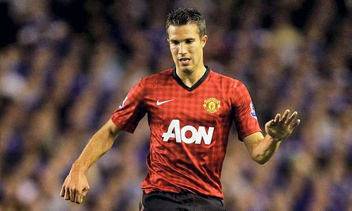 robin van persie Robin van Persie Scores Three Goals in First Half To Put Man United On Verge of 20th Title [VIDEO]