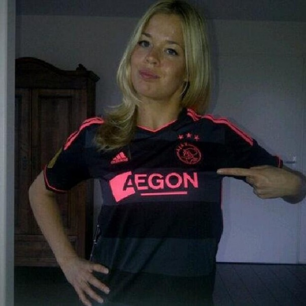 ajax away shirt1 600x600 Ajax Away Shirt For 2013 14 Season: Black And Hot Pink [PHOTO]